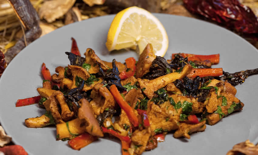 Chanterelles and black trumpets with parsley, garlic and Debina wine